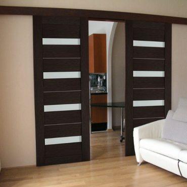 Раздвижная двупольная дверь